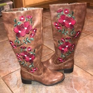 🌺NEVER WORN, Tall Leather boots, size 9🌺